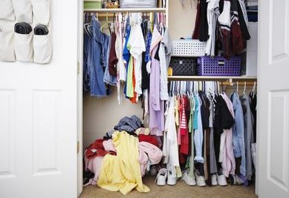 Closet cleaning process at home
